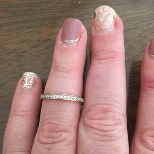Women's band style ring